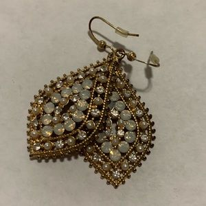 Francesca's Collections Jewelry - Iridescent rhinestone and pearl